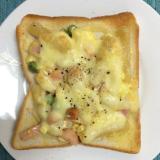 マカロニサラダで♪タルタルチーズトースト