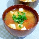 豆腐とトマトとキムチの味噌汁