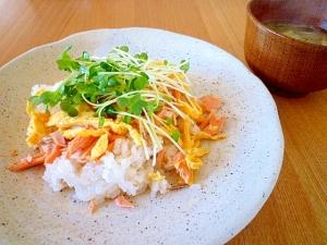 簡単!鮭と卵のちらし寿司。