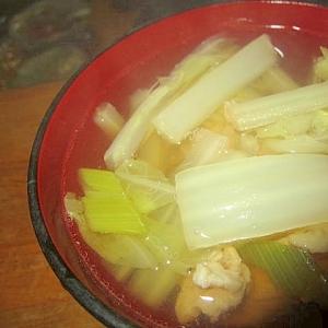 白菜、豚肉、ネギの塩スープ