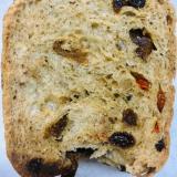 •いちじくとクコの実と胡桃の山食パン•