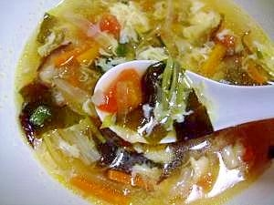 ふわとろ卵とトマト・長芋が入ったサンラータン