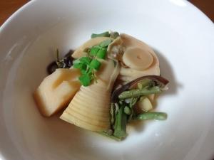 タケノコと山菜の煮物