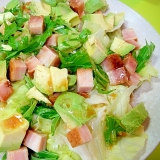 焼き豚とアボカドレタスのサラダ
