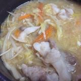 野菜たっぷり!ピリ辛味噌鍋