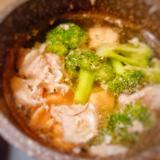 ブロッコリーの豚肉とちゃんこ風スープ♪