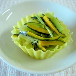 ブロッコリーの茎と南瓜の皮の中華風ソテーサラダ♪