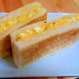 朝ごはんにピッタリ!フライパンで作る卵サンド★