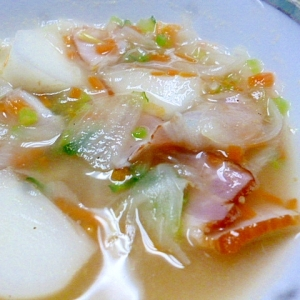 ベーコンとかぶのスープ