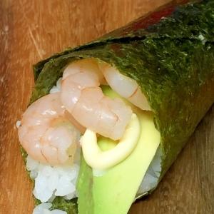アボカドとエビ&マヨの手巻き寿司♪