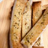 ☆食パンの耳ローズマリースティック☆