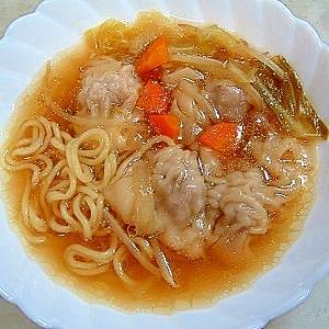 ヤマキめんつゆ入りワンタン麺