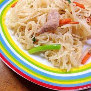 豚肉と野菜とそうめんの炒め物