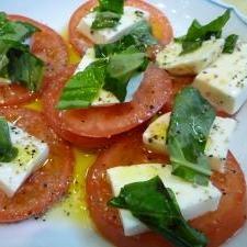 トマトとチーズのイタリアン前菜