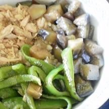 夏野菜とツナで三色丼