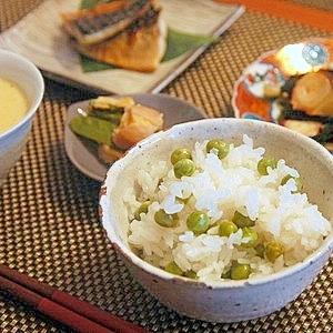 炊飯器で簡単☆グリーンピースご飯