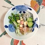 胡瓜、茗荷、貝割れ、しらす、豆麩の和え物
