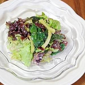 栄養満点♪海藻入りグリーンサラダ