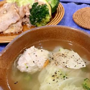 鶏団子入り中華スープ