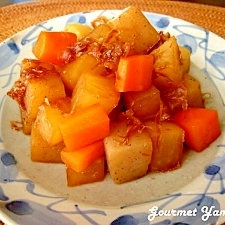 フライパンで作る♪コンニャクと根菜のコロコロ煮