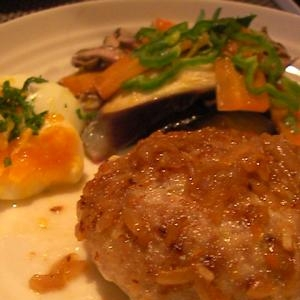 *豆腐ハンバーグと温野菜*