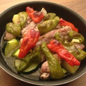 スペアリブと彩り野菜のハニーハーブグリル