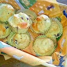 完熟バナナが決めて☆バナナとレーズンのカップケーキ
