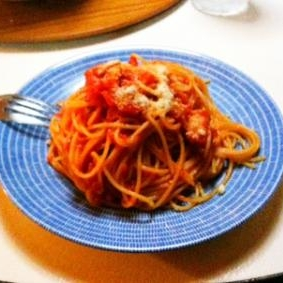 シンプル!ベーコンのトマトソースパスタ
