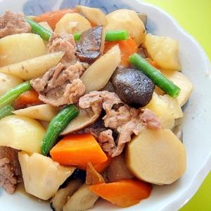 根菜としいたけ豚肉の煮物