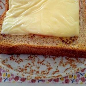 ピリッと粒マスタードで☆ハムチーズトースト