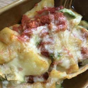 じゃがいも・トマト・アボカドのチーズ焼き