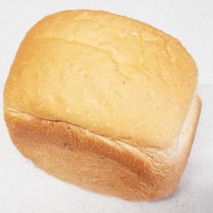 隠し味に粉チーズを使った【コク有り食パン】HB