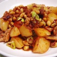 ジャガイモと大豆のすっぱ煮