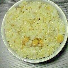 ひよこ豆入りご飯 一分づき米です♪