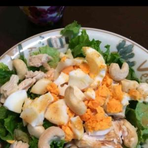カシューナッツとゆで卵のサラダ