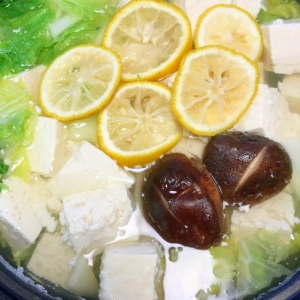 白菜たっぷり☆ゆず香る湯豆腐