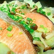 鮭と野菜の簡単蒸し焼き