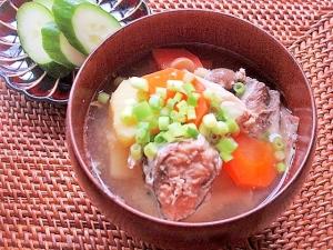 栄養満点!鯖の水煮とじゃがいもの味噌汁