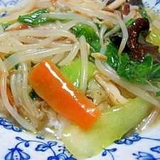 冷蔵庫に残った野菜で、中華飯
