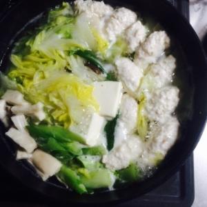 豆腐でふわふわ!鶏団子鍋