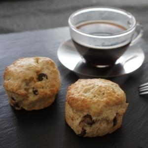 コーヒーや紅茶のお供に♪手作りチョコチップスコーン
