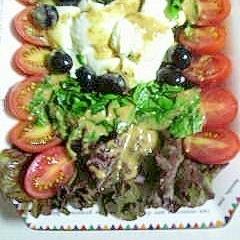 モッツァレラチーズと野菜のおつまみ