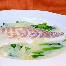鯛とほうれん草のコンソメミルク煮