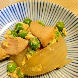 えんどう豆と鶏肉の卵とじ