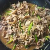 アスパラと豚肉と玉ねぎの味噌炒め