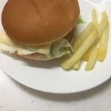 レンジでチン☆目玉焼きとチーズバーガー(^○^)