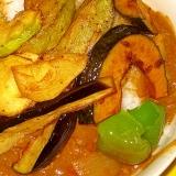 赤ワインと牛肉の夏野菜カレー