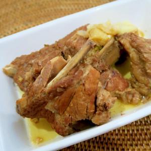 豚のスペアリブ煮