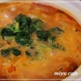 トマトジュースで作る簡単一人トマトチーズ鍋