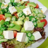 アボカドと豆腐オクラのサラダ